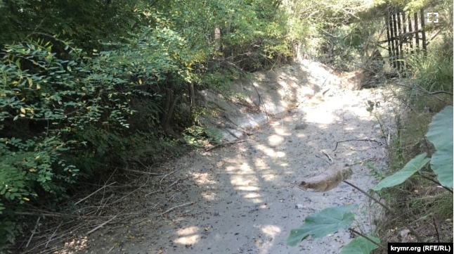Крим перетворюється на пустелю — за рік на півострові зникли 10 річок (фото)