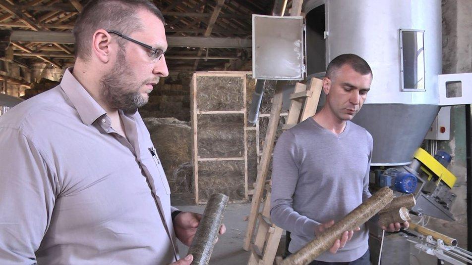 Технологія майбутнього з минулого: волиняни проєктують і будують солом'яні будинки