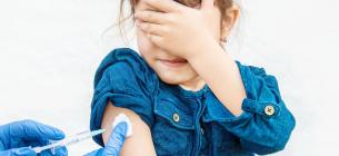 До 1 сентября дошкольникам и ученикам нужно иметь все обязательные прививки