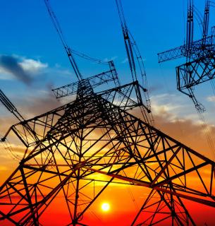 Вночі коштуватиме вдвічі менше: підвищено максимальні ціни на електроенергію