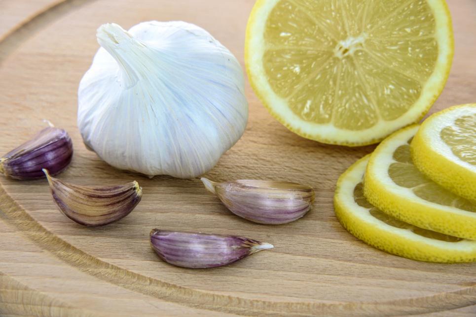 Медики назвали продукти, які «чистять» артерії