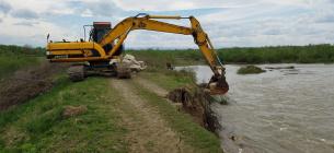 Робота аварійної бригади водогосподарників на р. Бистриця Надвірнянська під час травневого паводка 2019 року