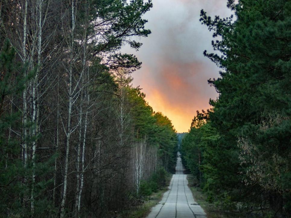 Заграва над Чорнобильською зоною. Фото Олександра Сироти