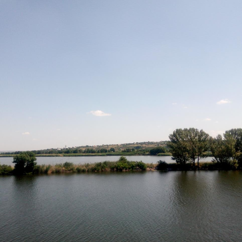 Дніпро в районі станції Плавні Вантажні. Фото Олега Листопада