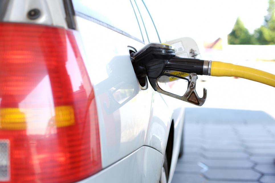 В Украине ряд операторов розничного рынка повысил цену на топливо