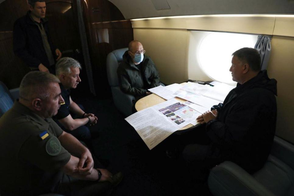 Прем'єр Шмигаль і міністр Аваков летять на допомогу. Фото пресслужби МВС