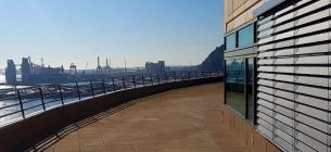 Жалюзі SolarGaps, встановленні в Порту Барселони, Іспанія