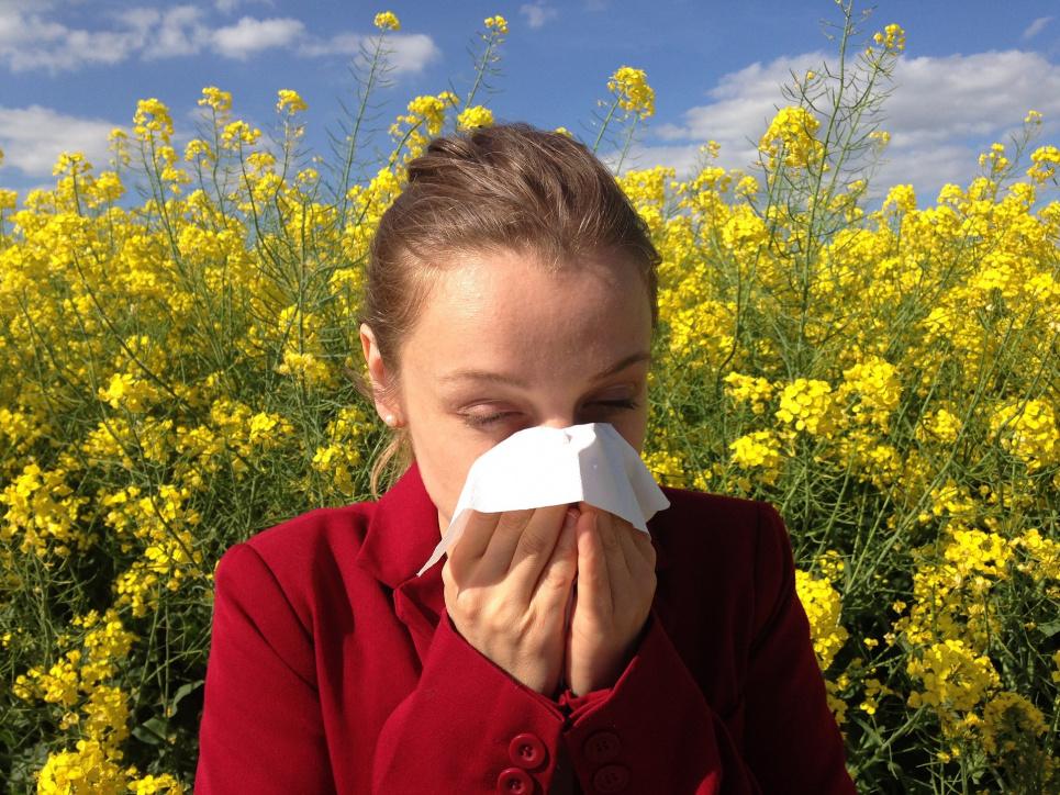 Аоргію на пилок рослин потрібно лікувати під наглядом лікаря.