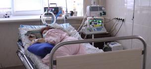 COVID-19: за добу госпіталізували більше осіб, ніж виявили нових хворих. Фото: Суспільне