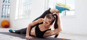 Растяжку надо делать минимум 10 минут три раза в неделю.