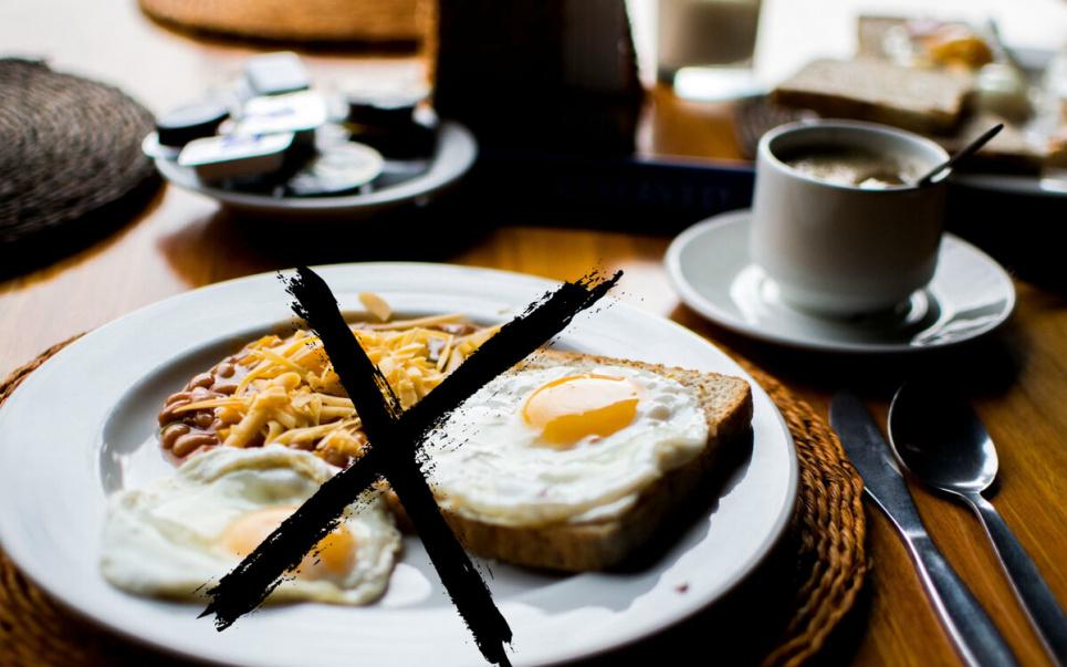 Последствия регулярного отказа от завтрака, обеда или ужина.