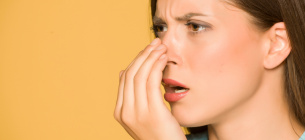 Є явні та приховані джерела поганого запаху з рота