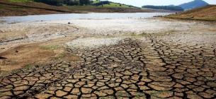 На юге и востоке страны исчезает вода