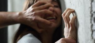 Чоловік кілька років гвалтував своїх доньок