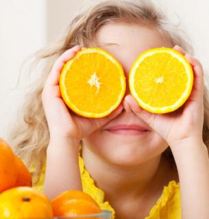 Вітамін С відіграє важливу роль у покращенні імунітету.