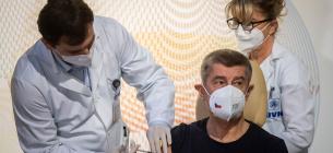 Медиків з мобільних бригад почали вчити, як правильно робити масову вакцинацію