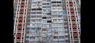 15-річна дівчинкавистрибнулаз балкона 16-поверху