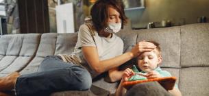 Мати зі своїм малюком захворіли на малярію