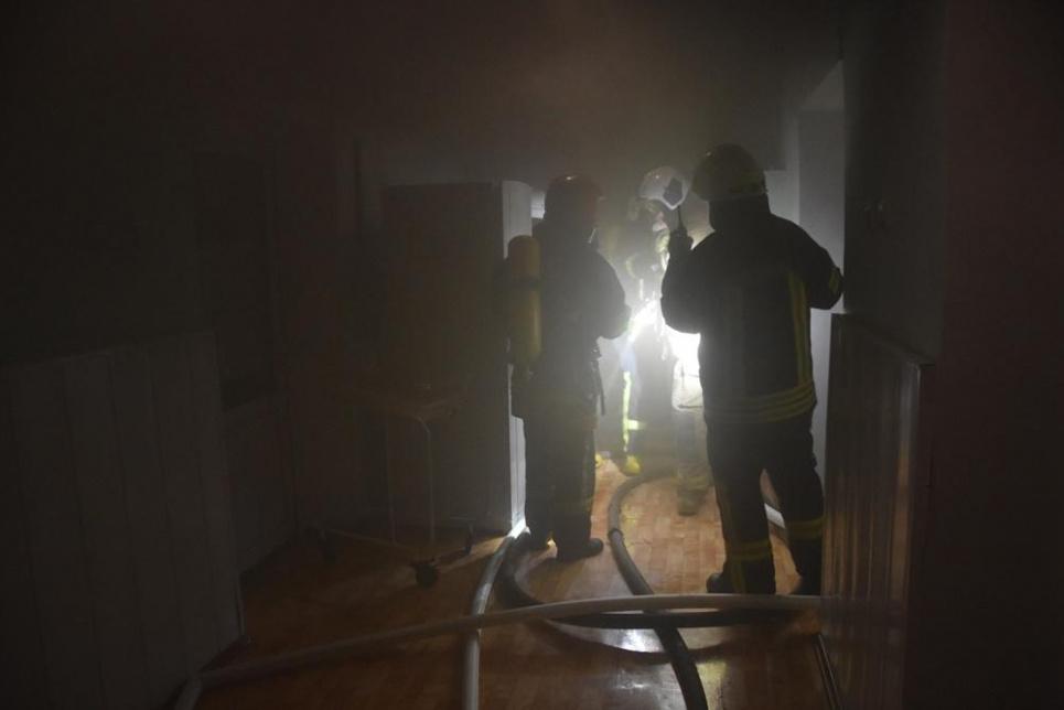 Ночью горел роддом: эвакуировали молодых мам и малышей