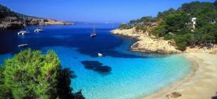 Кіпр змінив дату, коли почнуть впускати українських туристів.