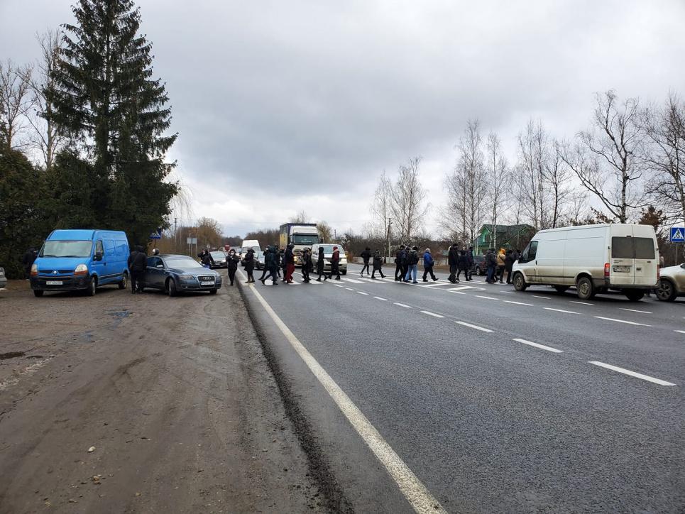 Фото galka.if.ua - На Франковщине предприниматели перекрыли трассу