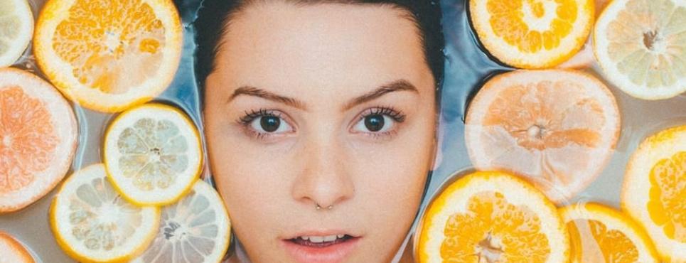 Які продукти захистять від серйозних проблем із зором
