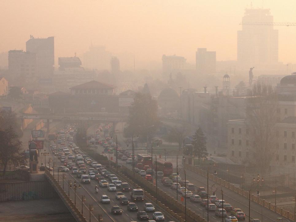 Опасно для людей: адский коктейль с добавлением промышленной пыли, дыма, сажи движется на Украину