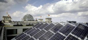 Під сонячні електростанції має бути відведено не менше 30 % загальної площі покрівлі новобудов