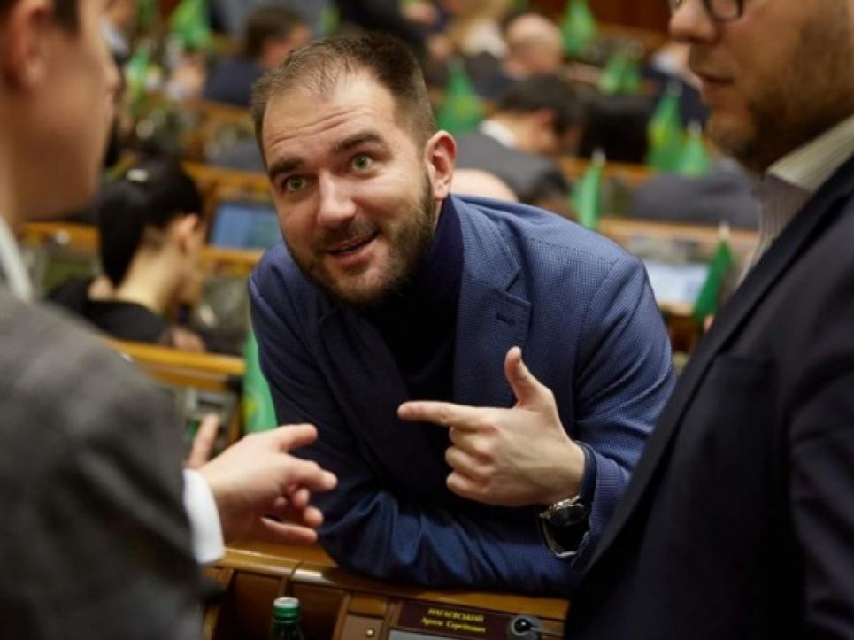 Народний обранець хотів хабар за внесення пропозицій до проєкту Закону України «Про управління відходами»