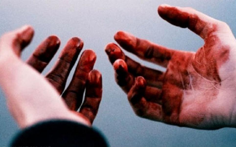 Родинне вбивство в Росії: школяр сокирою вбив маму, тата й сестру.