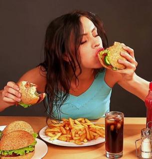 Які ТОП-4 звички знищують кишківник