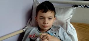 Лікарі врятували восьмирічного хлопчика, у якого COVID уразив 85 % легень і всі органи