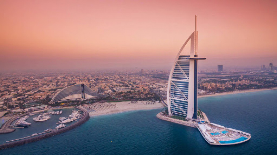 ОАЭ включили в «зеленый» список от Минздрава