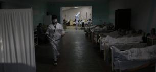 На Київщині опорні лікарні більше не можуть приймати нових хворих на ковід - для всіх не вистачає місць
