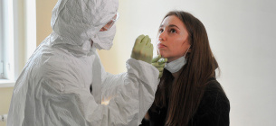Вбивча статистика COVIDу: понад 18 тис нових хворих і понад 300 смертей