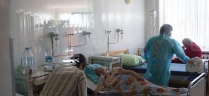 На Хмельниччині та у Харкові почався медичний колапс