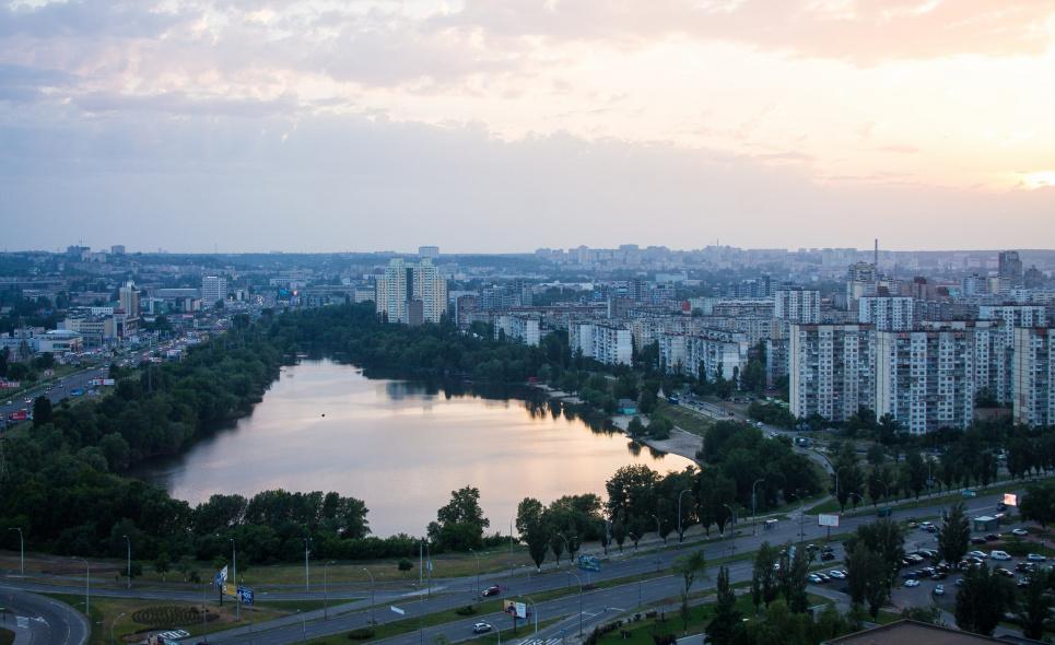 Київські озера потерпають від недобросовісних забудовників і засмічення
