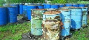 «Бізнесмен» на Житомирщині труїв усе село: організував сміттєзвалище хімвідходів у дворі