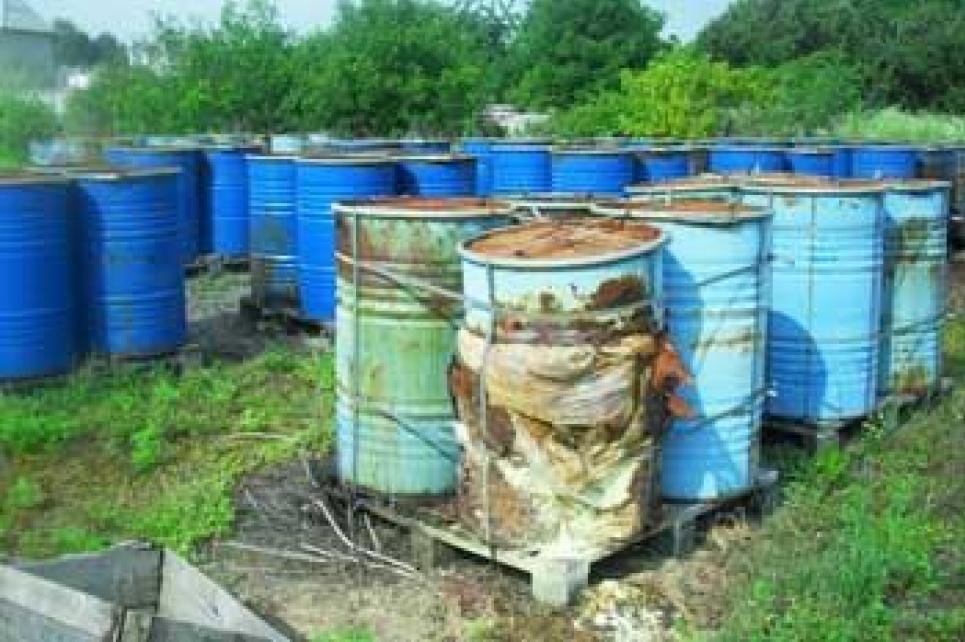 «Бизнесмен» в Житомирской области травил все село: организовал свалку химотходов во дворе