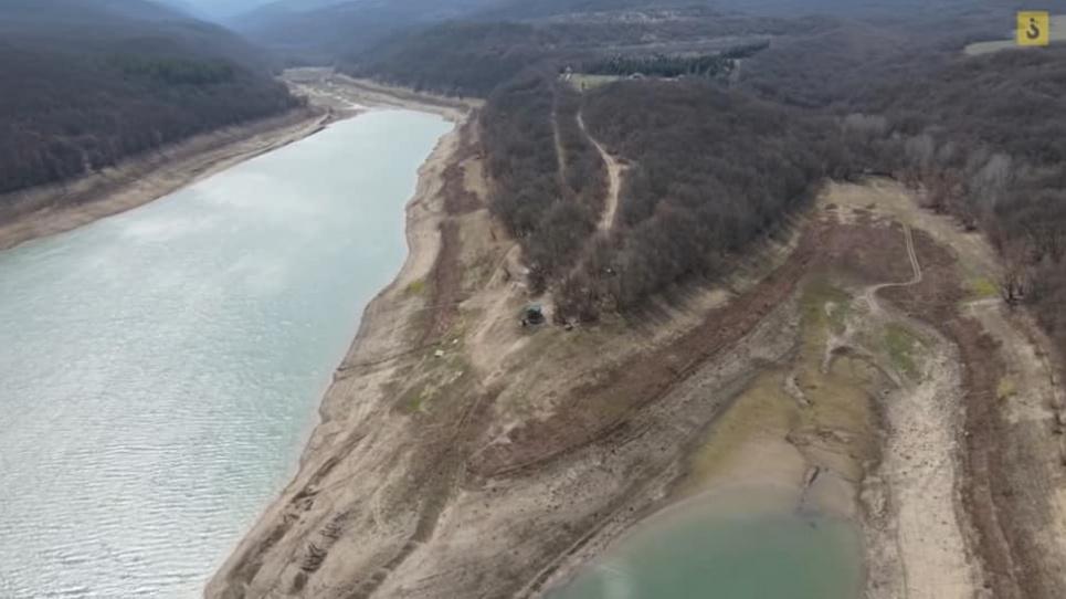 У тимчасово окупованому Криму обміліло велике водоймище.