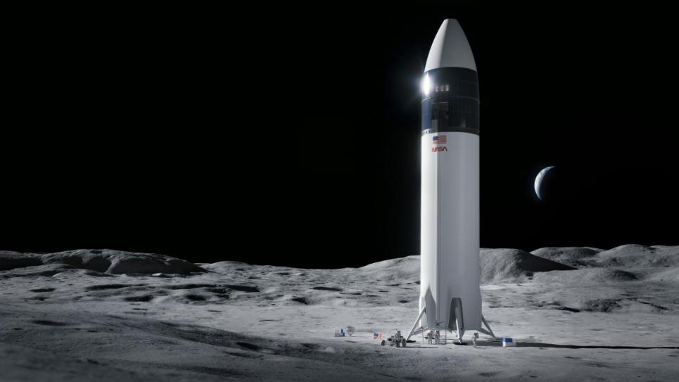 Астронавти полетять на супутник Землі на кораблі Ілона Маска