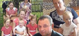 Українка народила 19 дітей без двійнят і не збирається зупинятися