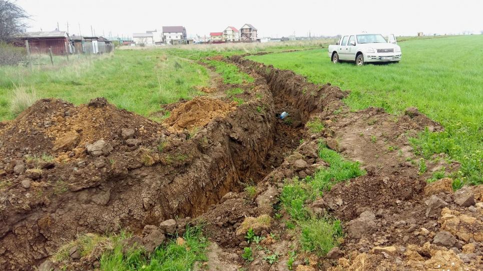 Курорт «Рассейка» огородили потужною совковою канавою, екологи обурені