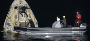 Астронавты NASA вернулись из космоса на судне SpaceX
