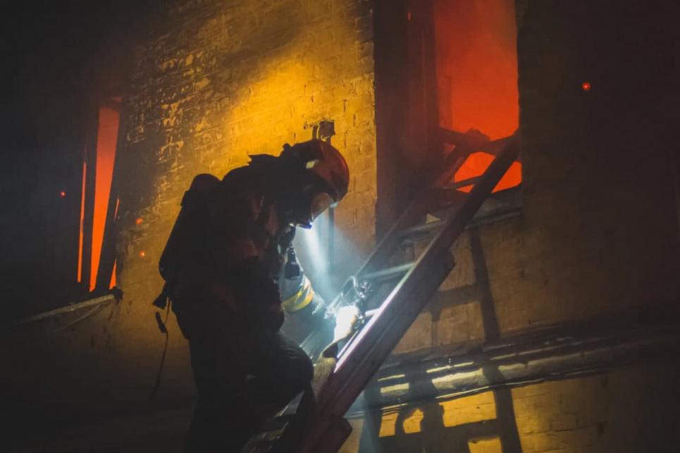 У Голосіївському районі Києва трапилася масштабна пожежа