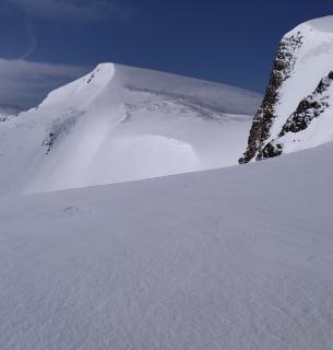 На Закарпатті дві найбільші гори масиву Свидовець — у снігу