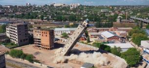 В Харькове произошел взрыв: в воздух взлетело старое здание элеватора