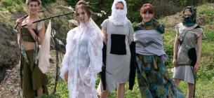Спасите реку! В Харьковской области устроили показ моды на стихийной свалке