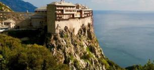 Монастирі на горі Афон обладнають сонячними панелями вартістю 13 мільйонів євро