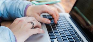 У тех, кто долго сидит за компьютером, нарушается кровоснабжение головного мозга: чем это грозит